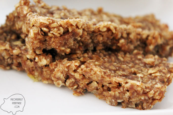 Healthy Peanut Butter and Jelly Oat Bars: Easy prep, gluten-free, vegan, no oil, low sugar. Great for a quick breakfast or healthy snack.