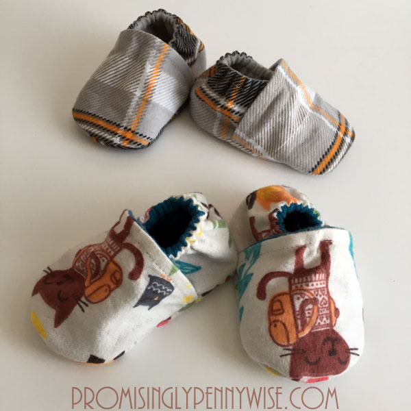 5 Easy & Inexpensive Gifts to Sew for Expecting Moms: Includes links to free patterns! Great gift ideas for baby showers and Christmas!