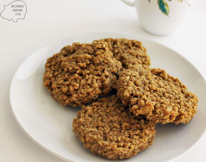 Monster Breakfast Cookies: Gluten-free, healthy, fiber packed breakfast cookies that are so delicious, you won't believe they're so healthy!